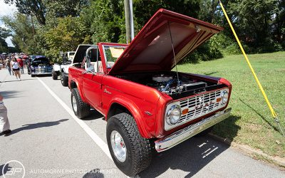 1968 Ford Bronco 289 Custom Red Front
